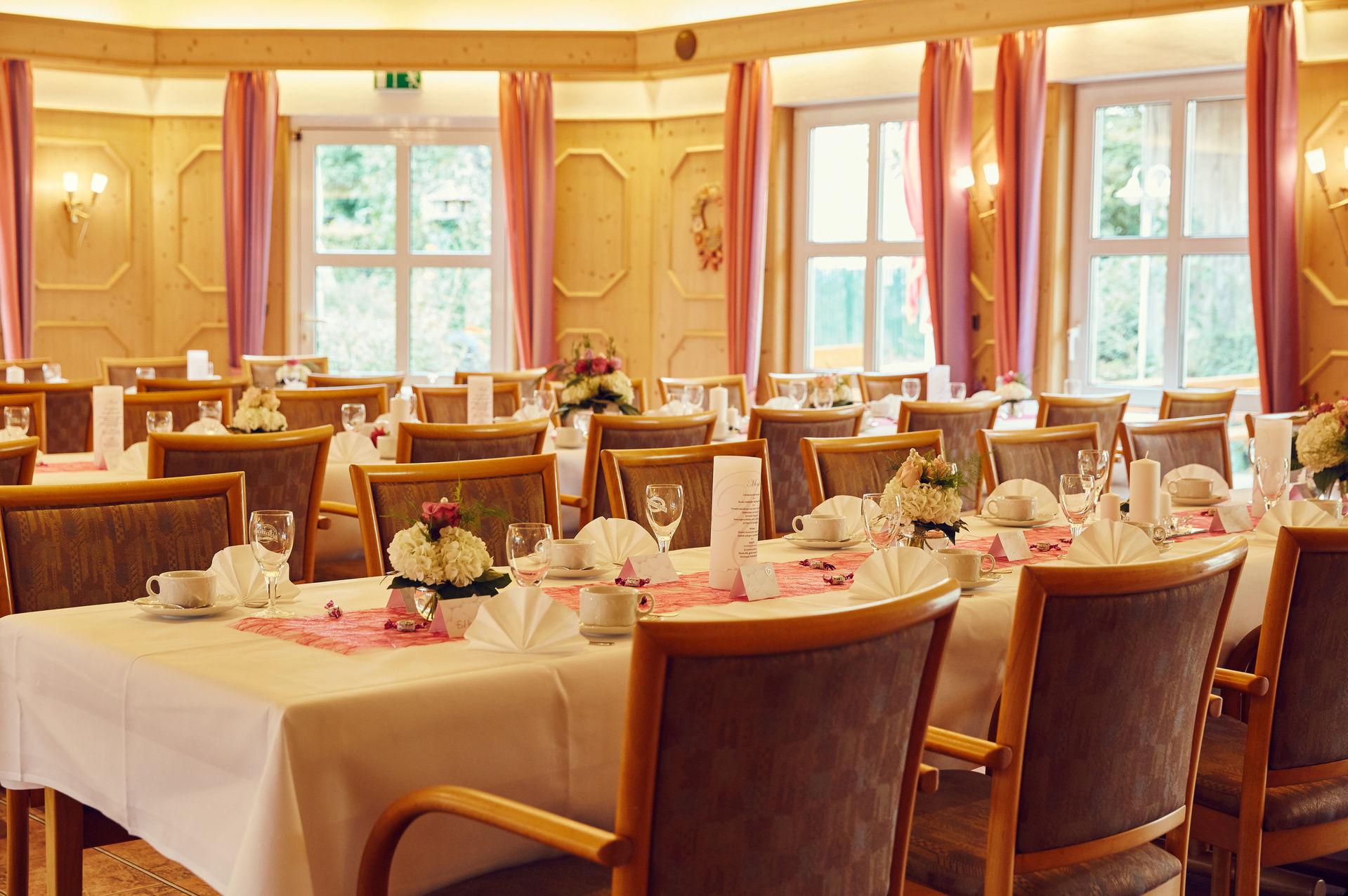 hotel fr nkische schweiz 3 sterne hotels gr fenberg. Black Bedroom Furniture Sets. Home Design Ideas